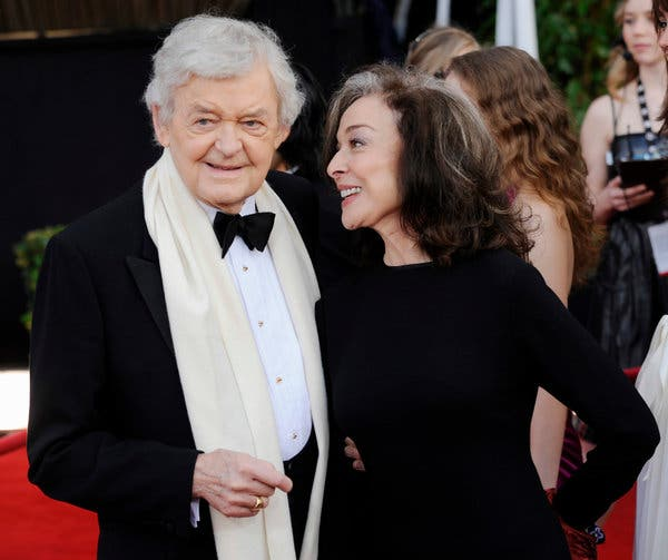 """Mr. Holbrook and his wife, Dixie Carter, at the 2008 Screen Actors Guild Awards, where he was nominated for his role in """"Into the Wild."""""""